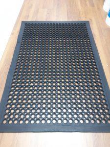שטיח גומי - אנטי סליפ