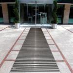 שטיחי כניסה לבנייניי ציבור