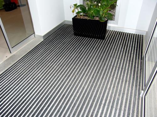 שטיחים מאלומיניום