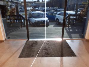 שטיח נגד החלקה שטיח כניסה פנימי